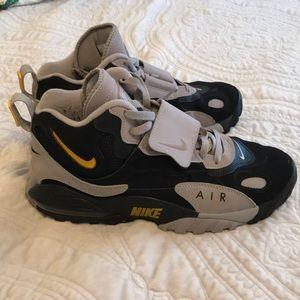 Nike Airmax Speed Turf size 9.5 Black Grey
